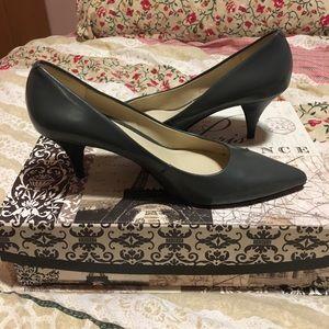Chic Nine West Heels
